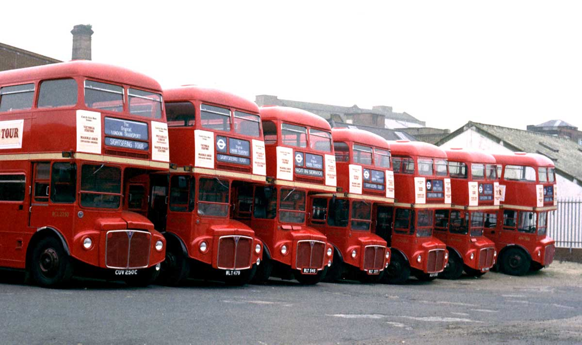 Sightseeing i London med buss (Foto: Flickr/Clive A Brown)